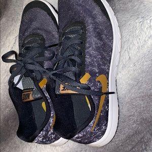 Nike Shoes - Women's Nike Size 6.5